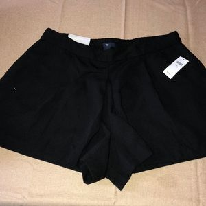 GAP black polyester shorts